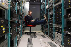 Gazduire web pe servere